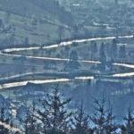 643 Dia von Förster Rothfuß um 1970 mit dem alten Straßenverlauf im Mitteltal