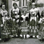 692 Trachtenträgerinnen aus dem Wolftal um 1950