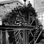 034 Ausbau es alten Wasserrades bei der Grünmühle um 1985
