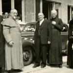 071a Uhlbauer Severin Dieterle 1955 als Chauffeur des Bischofs bei der Weihe der Marienkirche