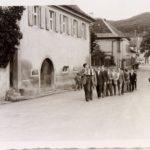 06 Siegesfeier der Oberwolfacher Fußballer um 1955