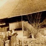 141 Wohnhaus Kaiser und Bewohner auf Grünach 1926