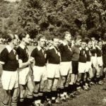 155 SVO Fußballer um 1952 mit Torwart Konrad Heizmann