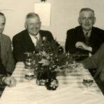 212 Verwaltungsteam auf dem Rathaus um 1960