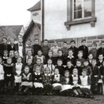 234 Schüler an der Walke mit Lehrer Hans König um 1952