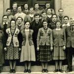 243 Schülerjahrgang um 1955 mit Schwester Gertrud Oberfell und Bürgermeister Gottfried Rauber