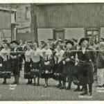 286 Ausflug Musikkapelle und Trachtenträger um 1965