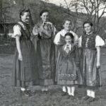 """385 Probenpause beim """"Vogt auf Mühlstein"""" um 1950"""