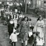 494 Fasnetsumzug um 1955 mit Kindern u. a. dabei