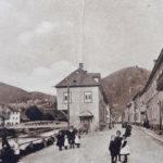 575 AK Blick auf die Stadtbrücke in Wolfach von Schiltach her