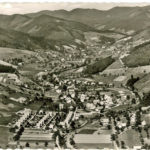 599 Ak Luftaufnahme Ortsteil Kirche um 1960