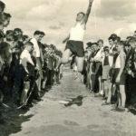 621 Bundesjugendpiele in Wolfach. Die Lehrer machten als Vorbilder selbst mit wie hier Alois Schoch um 1960